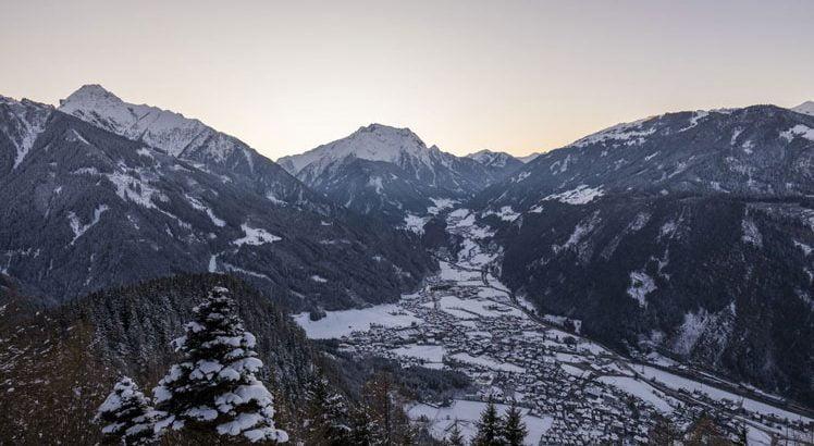Mayrhofen Hippach Wintersport ©Tirol Werbung / Grössinger Michael